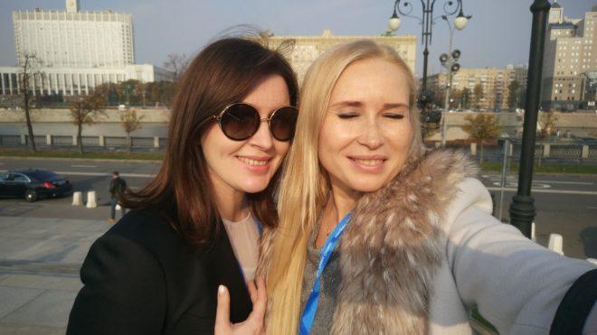 С коллегой и подругой теперь уже из Москвы, Лейлой