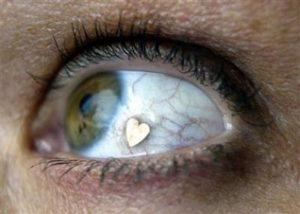 глаз с сердцем